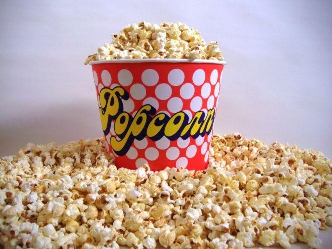 Fertiges Popcorn süß 70L mit 10x5L Kinobecher im Karton